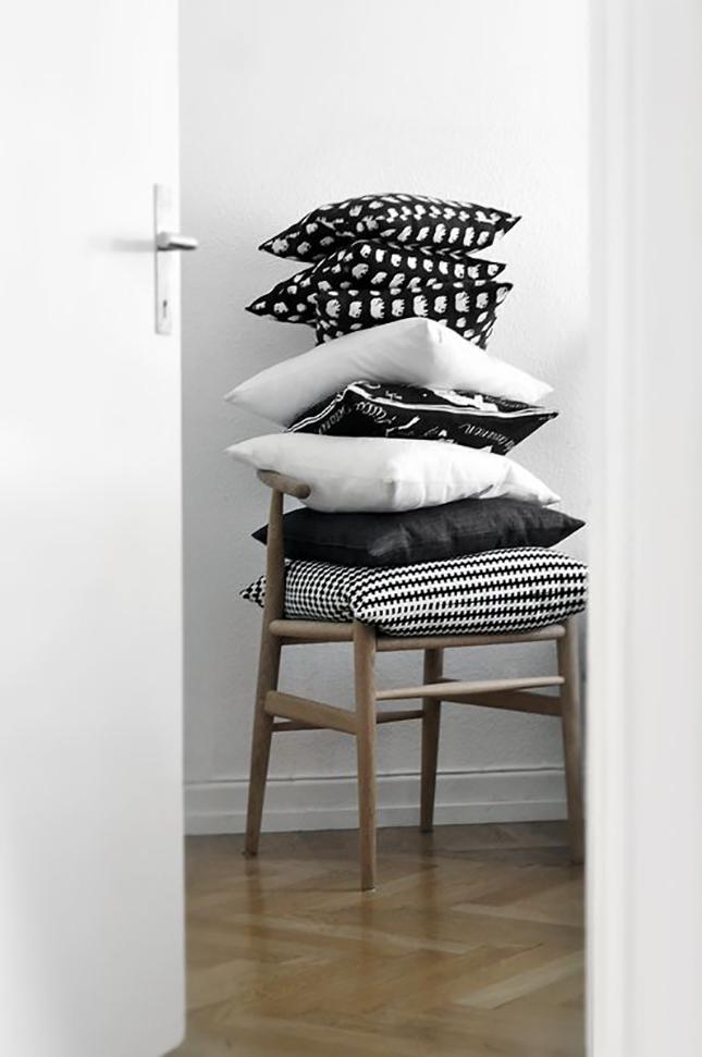 Cojines en sillas_decoración_Iconscorner