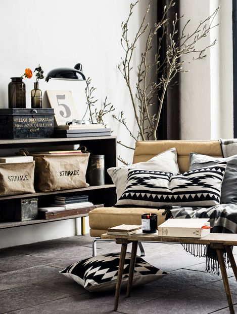 Muebles en lugares imposibles cojines en sillas for Sillas iconicas
