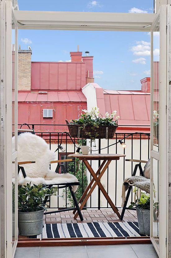Balcones MINI. Cómo decorarlos y sacarles el máximo partido