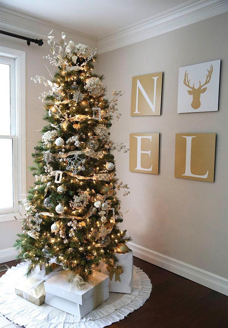 Dorado y blanco en decoraci n navide a for Arbol de navidad dorado