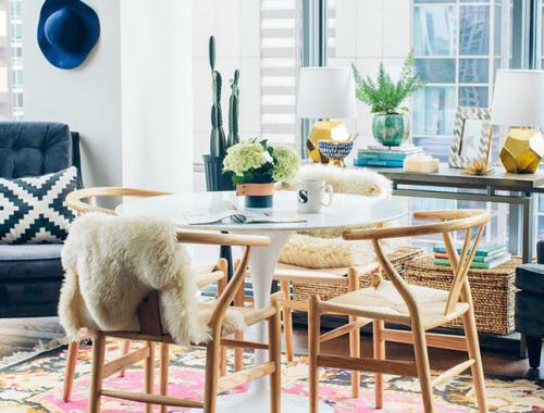 pack-sillas-de-disenyo-estililos-decorativos-iconscorner