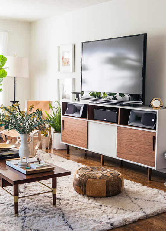 mueble mid century con televisor