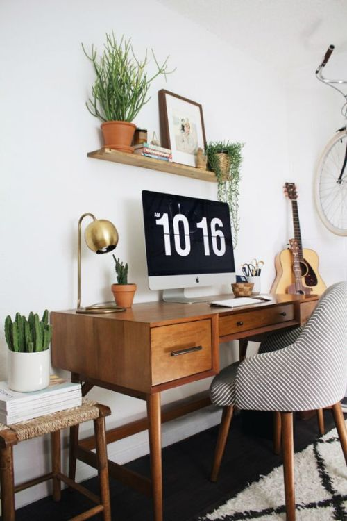 escritorio años 50 y silla de diseño