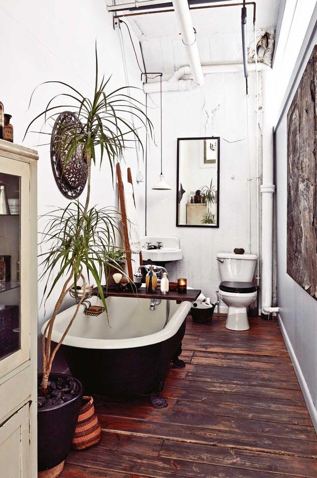 baño decorado al estilo bohemio