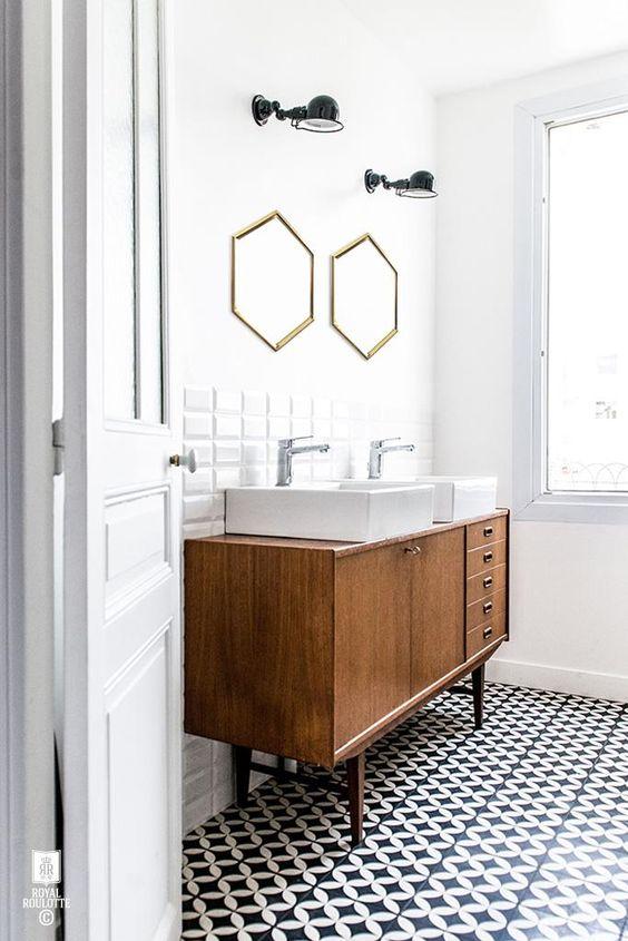 la iluminación del baño con apliques de pared de diseño