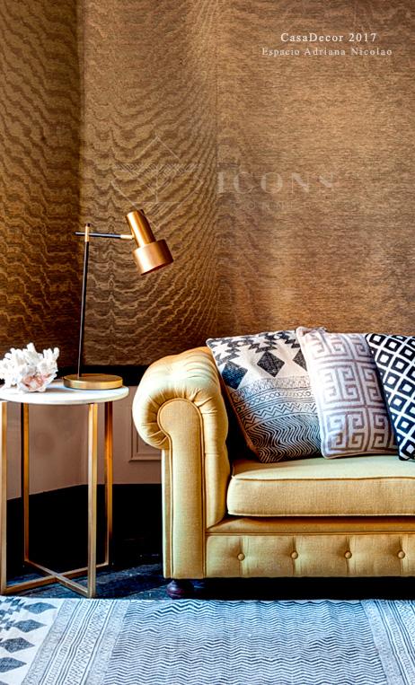 lámpara de escritorio dorada estilo Mid Century dorada de IconsCorner