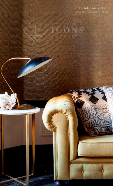 lámpara de lectura estilo Mid Century dorada y negra de IconsCorner