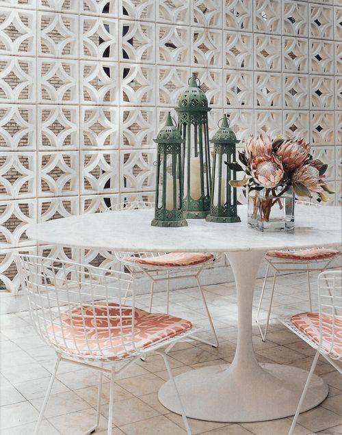 conjunto de sillas blancas Harry Bertoia