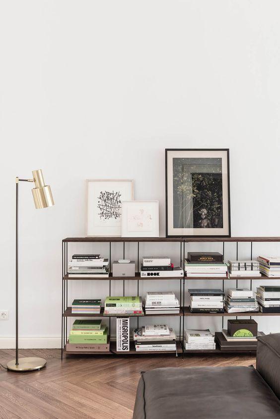 el diseño es el mejor regalo - Lámpara de pie estilo Mid-Century dorada