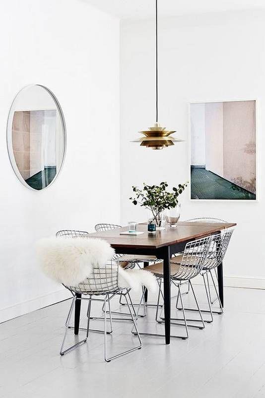 sillas Harry Bertoia composición en salón