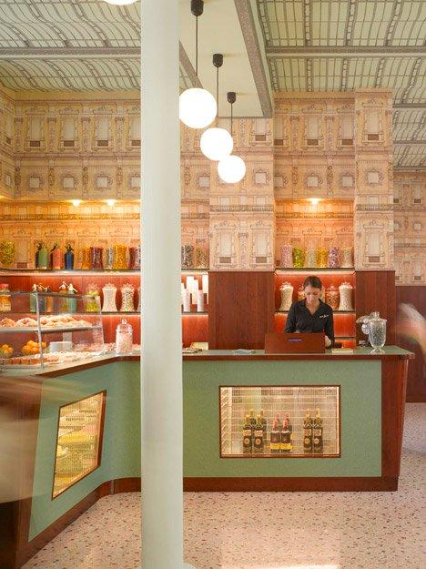interiores con estilo - Bar Luce Milán barra de bar