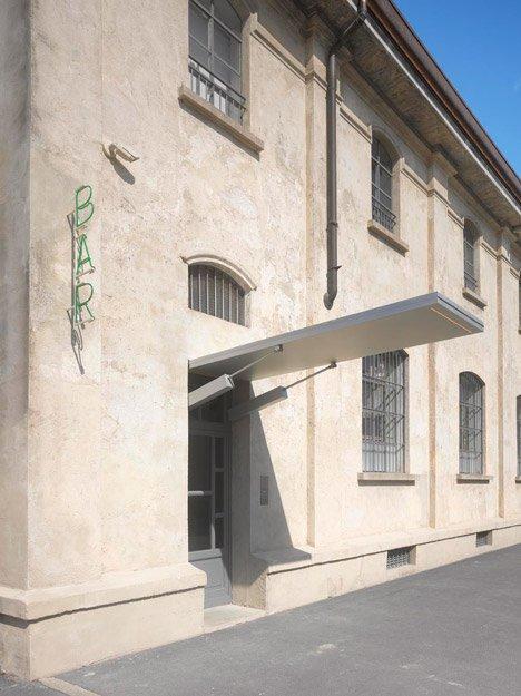 interiores con estilo - Bar Luce Milán exterior y acceso