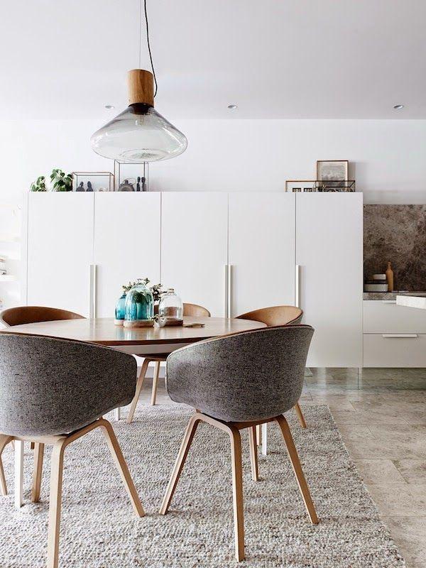 sillas nórdicas de comedor tapizadas en color gris