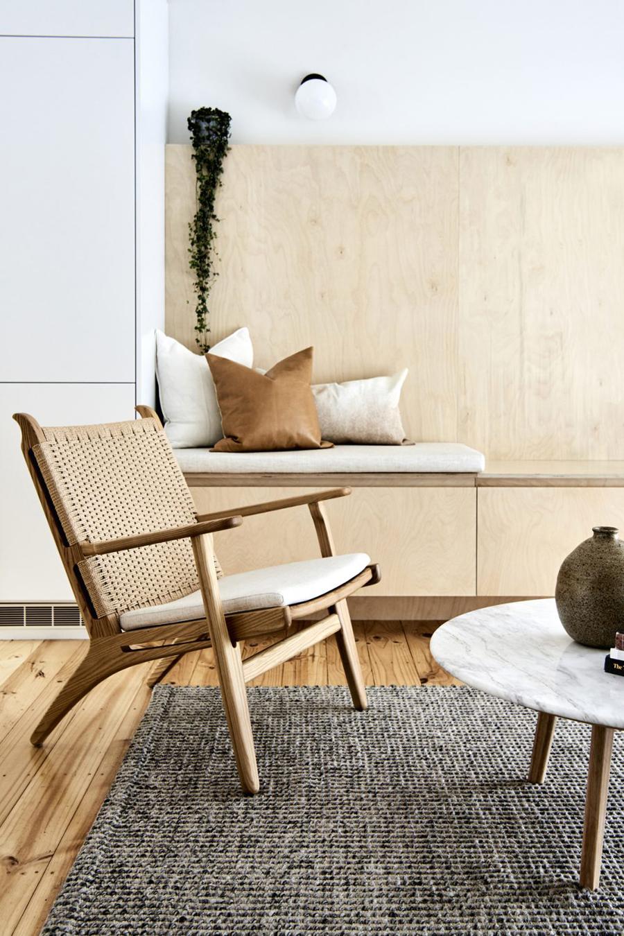 sillón nórdico ch25 en madera natural