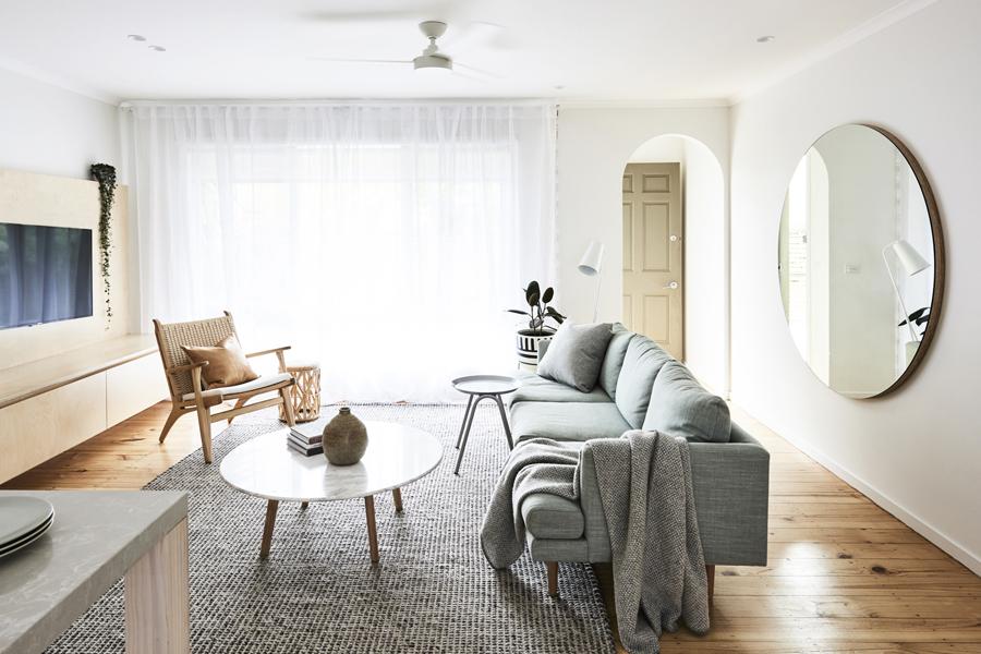 sillón nórdico ch25 en salón contemporáneo