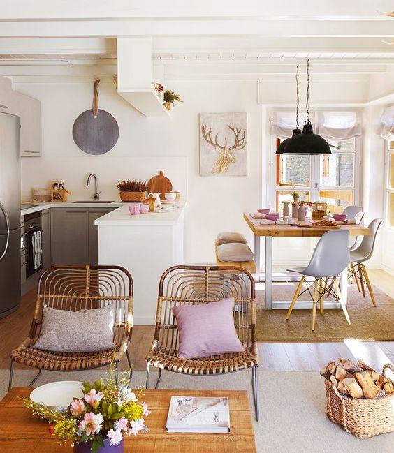 Mesa de comedor con sillas nórdicas