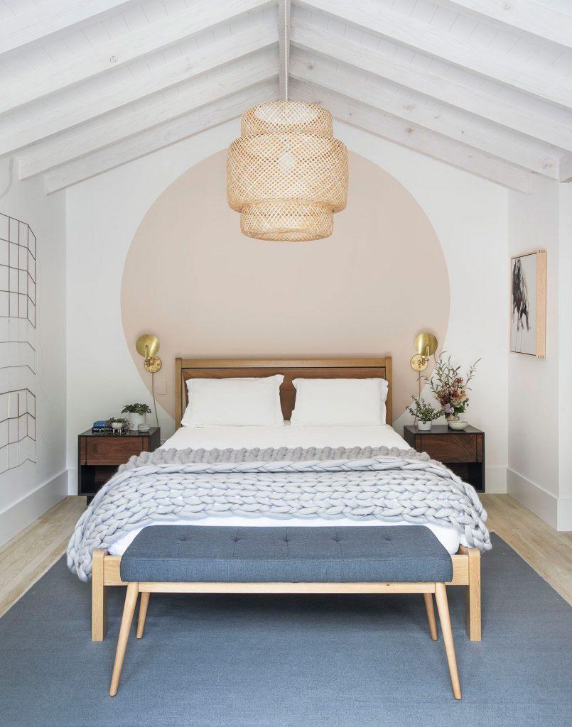 dormitorio con decoración veraniega